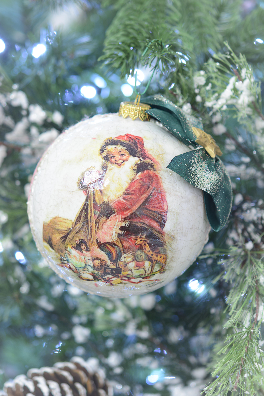 Glob Handmade Mare Cu Santa Claus, Cu Funda Verde Si Spatele Glazurat