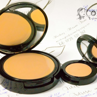 High Covarage Creamy Concealer and Powder de la Radiant Professional Make Up